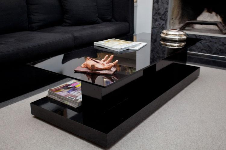 Signature coffee table 01